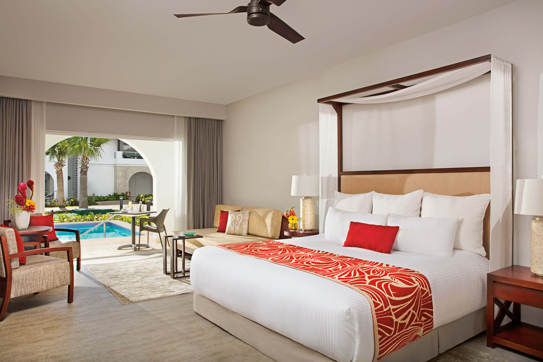 Dreams Dominicus La Romana - Preferred club suite swim up - beds