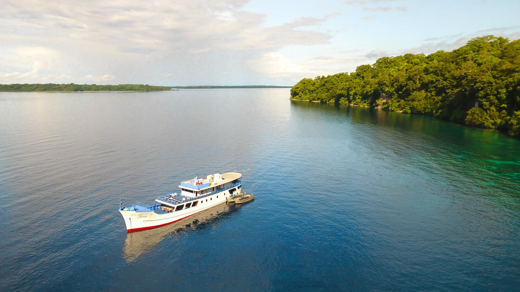 MV Bilikiki - Deluxe Cabin_Aerial boat